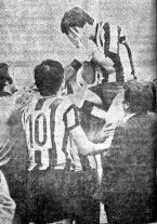 Barakaldo CF Sarabia y Benito a hombros malaga